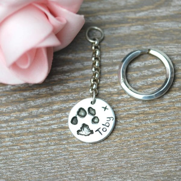 Sterling silver circle personalised paw print keyring
