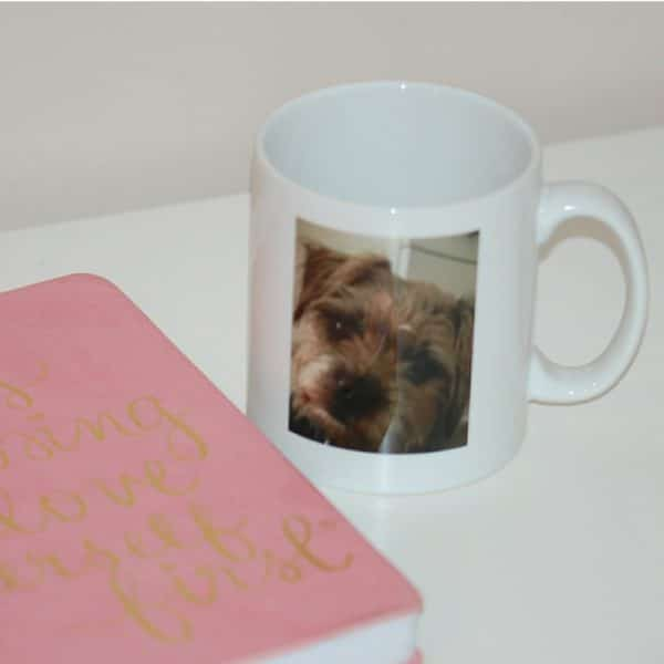 Photo mug personalised with your pet's unique paw print
