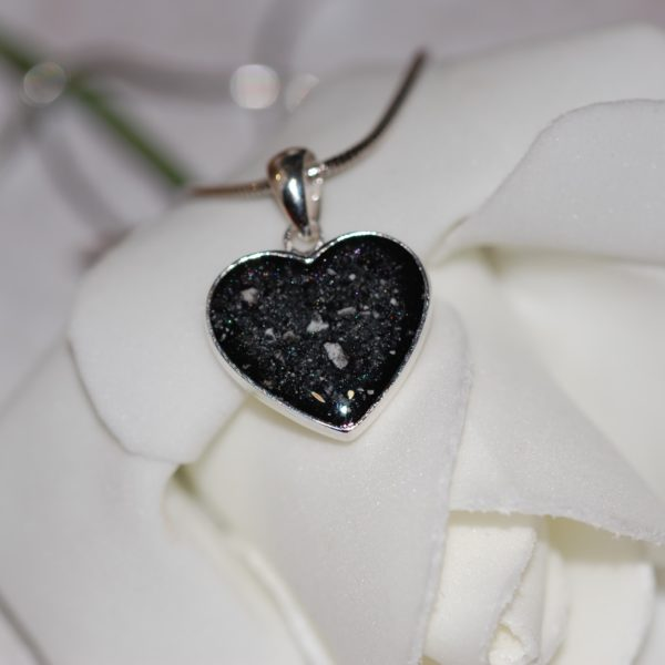 Silver heart pendant with pet cremation ashes and black pearl colour